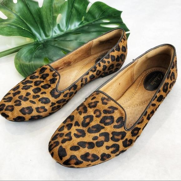 Clarks Leopard Print Loafers Size 7 Euc